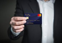 The Card You Must Have in Your Wallet: The Smart Way to Manage Your Money
